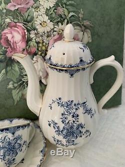 19pc ROYAL WORCESTER ENGLAND MANSFIELD BLUE TEA COFFEE CUP FINE BONE CHINA SET