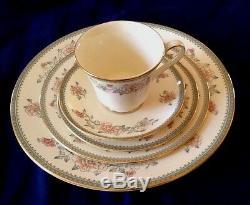 60pc Minton Jasmine Dinner Set 12 Place Settings Bone China England