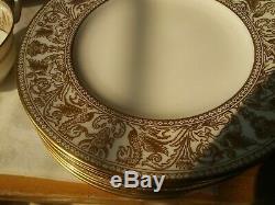 8+ Place Settings of Wedgwood FLORENTINE GOLD Bone China Dinner England W4219