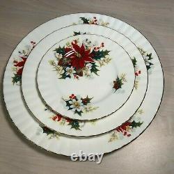 MINT! Poinsettia By Royal Albert Bone China 40 piece set England 1976 Vintage