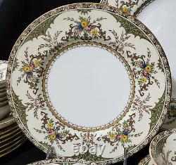 Minton CHATHAM Service for 8 Dinnerware Set with serving pieces England fine china