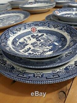 Queen's By Churchill Made In England 33 Piece Blue Willow Fine China Dinner Set