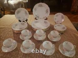 RARE VTG 1982 ROYAL ALBERT England HAWORTH Bone China 39 Pcs. Dinnerware Set