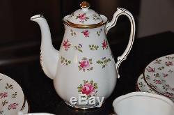 ROYAL CHELSEA ENGLISH BONE CHINA BRITANNIA MADE IN ENGLAND 30 Tea Party Set