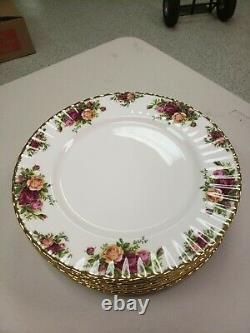 Royal Albert England Bone China Old Country Roses 40 Pcs. Dinnerware Set For 8