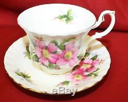 Royal Albert England Prairie Rose China 66 Pc Dinner Set MINT