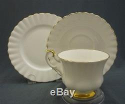 Royal Albert England Val D'or Pattern Bone China 23 Piece Tea Set Service for 6