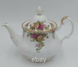 Royal Albert Old Country Roses England Bone China Vintage 1962 Tea Set Gold Trim
