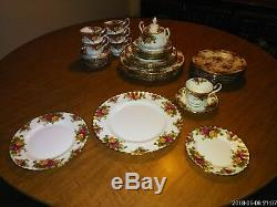 Royal Albert Old Country Roses English Bone China 6 place settings +additional