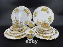 Royal Albert Tea Rose 5 Pieces Plate Setting x 4 Bone China England 20 Pieces