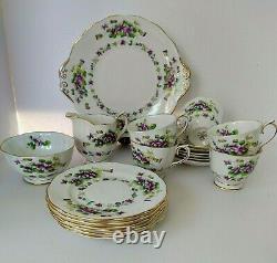 Royal Albert Teacup Set Sweet Violet Bone China Gold Trim England 1940s 20 piece