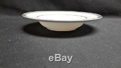 Royal Doulton England Bone China Clarendon H4993 Set of 8 Rimmed Soup Bowls