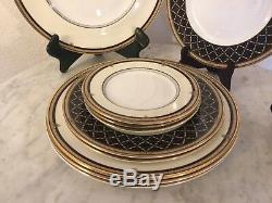 Royal Doulton Fine Bone China Baroness 11 Pcs Dinnerware Set. England. Disc