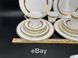 Royal Doulton Harlow 5 Pieces Place Setting x 4 Bone China England 20 Pieces