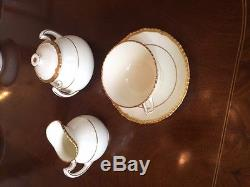 Royal daulton bone china, England, pattern V1813, 12 piece place setting