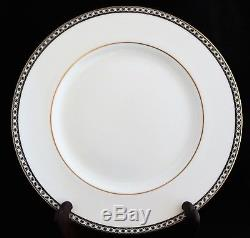SET 12 Wedgwood BONE CHINA ENGLAND ULANDER BLACK R4407 DINNER PLATES