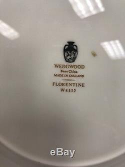 Set Wedgwood Black Florentine 44 Piece China Set Service for 7+ Made in England