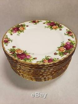 Set of 15 Royal Albert Bone China England Old Country Roses Salad Plates