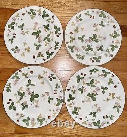 Set of 4 Wedgwood England Bone China Wild Strawberry Large Dinner Plates 10.75
