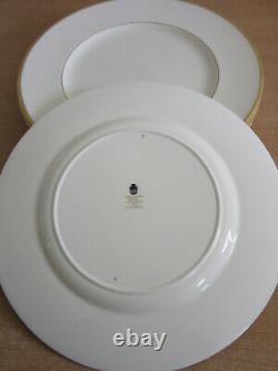 Set of 8 Wedgwood Bone China, England CALIFORNIA Dinner Plates 10.75