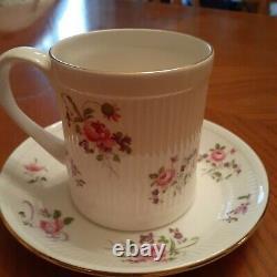 VINTAGE STAFFORDSHIRE ENGLAND FINE BONE CHINA CROWN TEA CUP AND SAUCER 10 sets