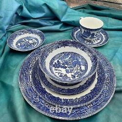 Vintage 1970s 80 Made in England Blue Willow China Johnson Bros 6 Place Setting