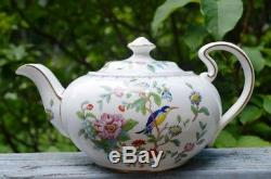Vintage Anysley Pembroke Bone China 5 Piece Set From England
