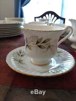 Vintage Roslyn #586 Fine Bone China Setting for 4 Made in England Plus Platter