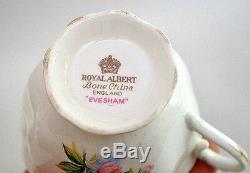 Vintage Royal Albert Bone China Evesham Design 57 Pieces 12 Place Setting