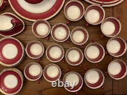 Wedgwood Bone China Ulander Ruby 84 pcs 8 Settings Made In England W1813
