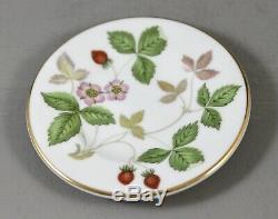 Wedgwood China England Wild Strawberry R4406 Miniature Coffee Set 1st Mint