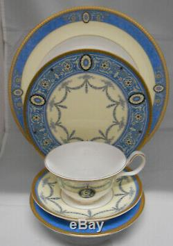 Wedgwood China Madeleine 5 Piece Place Setting Nib Made In England