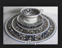 Wedgwood England Bone China Florentine dark blue Rim 5 Piece Place Setting W195