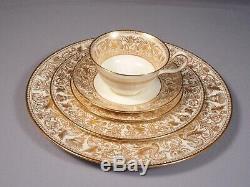 Wedgwood FLORENTINE GOLD Bone China Dinner set for 8 England W4219 Bone China