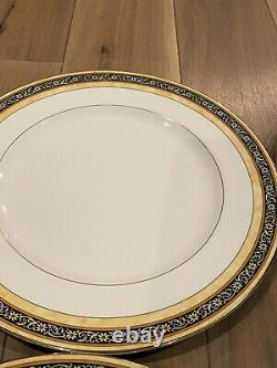 Wedgwood India bone china 10 3/4 dinner plate Made in England 1996 Set Of 7