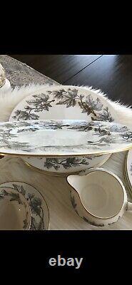Wedgwood Made in England ASHFORD Bone China Set Of 5 Piece Setting Of 4